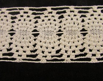 Vintage Handmade Ivory Cotton Crocheted Lace, Vintage Pillow  Edging. Vintage Lace Trim, Crocheted Lace, Camisole Trim, Wide Vintage Lace