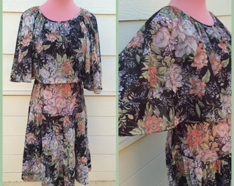 Womens Vintage batwing floral dress 70s size large