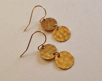 Tiny Gold Disc Earrings -Gold Hammered Circle Earrings -Tiny Gold Earrings