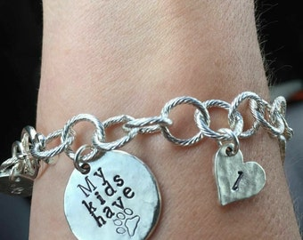 One additional charm for My Kids have Paws Bracelet