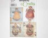 Simplicity Crafts Bear Cat Frog And Chicken Plastic Bag Holder - One Size UNCUT Year 1998 Pattern Number 8238