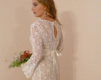 Bohemian Wedding Dress Ivory Lace Renaissance Boho Hippie Beach Bride with Train