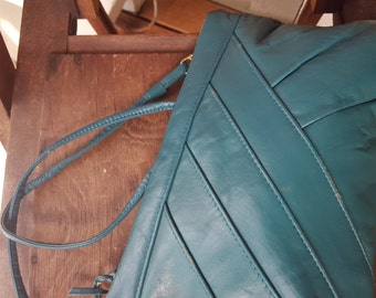TEAL    ///   Leather Purse/Clutch