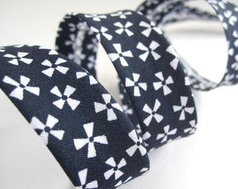 18mm patterned bias binding - navy blue white pinwheel floral zakka Christmas