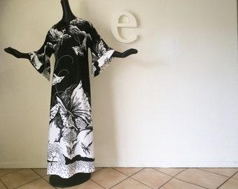 MOD Vintage 70s Butterflies Maxi Dress 1970s Groovy Hippie Boho Festival Butterfly Caftan Kaftan Black & White Bell Sleeve Angel Sleeve Gown