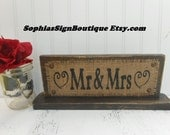Mr and Mrs wedding table sign burlap wedding decor, rustic jute sign brown, BURLAP WEDDING Stand, Rustic Wedding Sign/Stand. Wedding Burlap