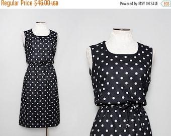 SALE Vintage 70s Black and White Polka Dot Dress / Large