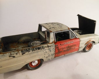 Classicwrecks Rusted Scale Model Car Ford Ranchero