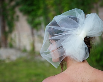 Birdcage Veil with Tulle Bow, Tulle Wedding Veil, Bridal veil - long birdcage - ivory, white - Charleston - VE436