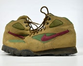 90s NIKE Hiking Boots Goretex Leather NIKE Mountaineer Boots, 9 womens