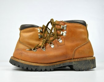 Vintage RED WING Irish Setter Dog Tag Mountaineer Hiking Boots, 9A