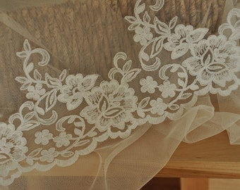 Beautiful French Floral Alencon Lace Trim in Ivory for Bridals, Veils Gowns LY