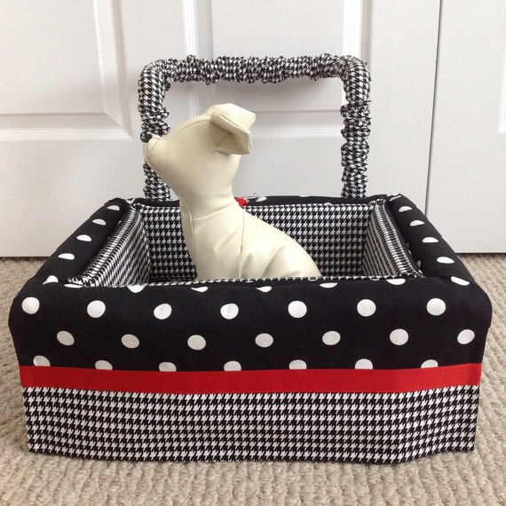 dog car seat small ready made black white polka dot and. Black Bedroom Furniture Sets. Home Design Ideas