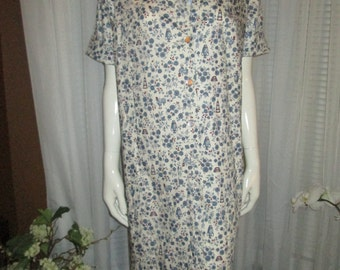 1950's Ladies Big Girl Front Buttoned SHIFT DRESS Dead Stock in White/Blue/Red Print by Commodores Lady
