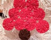 "6"" 100%Cotton Yo Yo Christmas Tree Ornament Red with White Stars"
