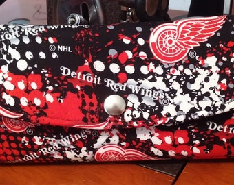 Detroit Red Wings Hockey Necessary Clutch Wallet
