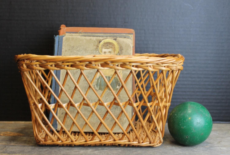 vintage brown wicker mail basket wall hanging basket. Black Bedroom Furniture Sets. Home Design Ideas