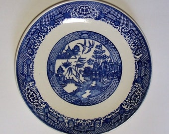 """BLUE WILLOW PLATE - Unmarked Vintage Plate - 9 7/8"""" (25.2 cm)"""