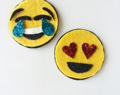 Emoji hair clips, heart eyes, glitter clip, alligator clips, yellow , gold, red, black, hair clips, toddler, girls, sparkly, emoticon
