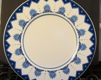 Vintage 90's Mikasa Intaglio Villa  blue and ivory charger chop plate CAC77