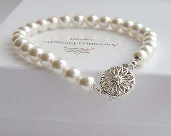 Classic pearl bridal bracelet, custom colours available,  pearl wedding bracelet, wedding jewelry, bridal jewellery, brides bracelet