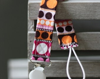 Circle Pattern Pacifier Clip