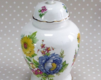Vintage Floral Flower Chelson China Vase Fine Bone China Made in UK