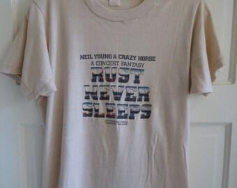 Vintage 1979 Neil Young RUST NEVER SLEEPS promo T Shirt sz S