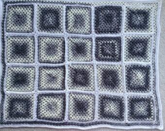 Shades of gray granny square throw