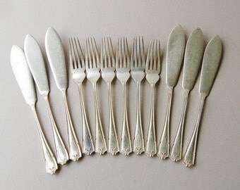 Vintage hotel flatware Silver plated fish knives and fork set for 6 Fish eaters Findon Manor Gladwin Embassy plate Art Deco silverware