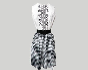Vintage 1960s Dress Embroidered Bodice with Gingham Skirt LESLIE FAY