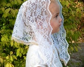 White lace chapel veil for children, with gold lace edging Prod.#Zwo1