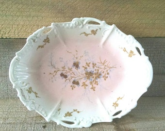 Oval Limoges Bowl Gold With Flowers Cream Ware Ivory Pink Blush Scalloped Cut Outs Star Mark 3rd Mark Coiffe