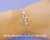 Silver anchor bracelet with freshwater pearl