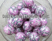 20mm Resin Pink Camouflage Print on White Pearl  -  Chunky Necklaces - Set of 10 - pearls Camo