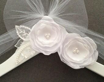 Wedding Hanger, Wedding Dress Hanger, Bridal Hanger, Custom Wedding Hanger, Chiffon White Flowers Hanger with Lace Leaves