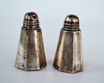Vintage Taxco Silver Salt and Pepper Shakers ~ Taxco Mexico Sterling Silver 925 ~ Petite Silver Shakers