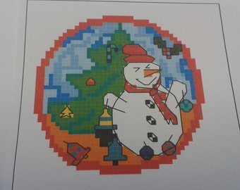 """3""""x 3"""" SNOWMAN Christmas Tree Decoration can be made square or round 14ct cross stitch small kit"""