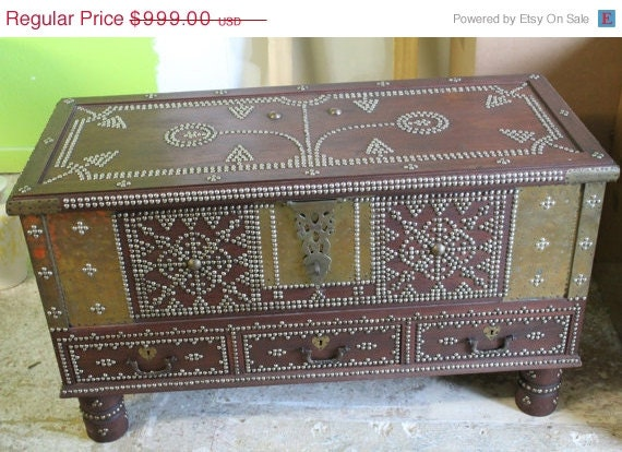 Big Sale SALE Vintage Truck Chest Coffee Table by  : il570xN805558781d8ym from www.etsy.com size 570 x 414 jpeg 84kB