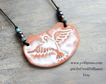 Aromatherapy Terracotta Clay Diffuser NECKLACE, Hypoallergenic Adjustable Flying Bird Pottery Necklace, Bohemian Earthy Jewelry