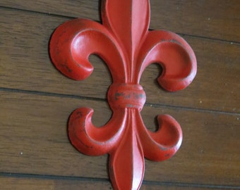 Fleur de Lis Wall Decor/ Cast Iron Wall Hanging/ Fleur de Lis Sign/ Paris Apartment/ Apple Red or Pick Color/ French Country Cottage Style