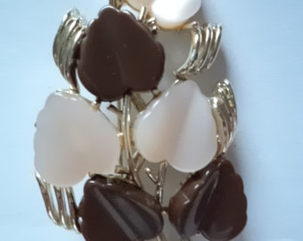 fabulous unsigned vintage coffee and cream leaf broochpin