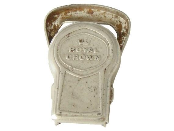 vintage folding pocket bottle cap opener lifter rubber. Black Bedroom Furniture Sets. Home Design Ideas