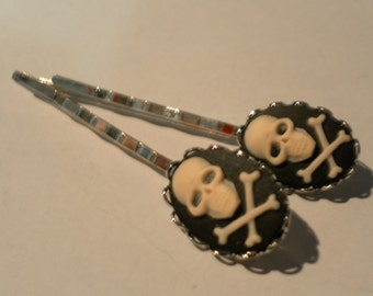 PAIR 18x13 cameo SKULL and crossbones PIRATE 65mm hair bobby pins