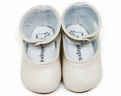 """White leather ankle-strap shoes for 16"""" Sasha dolls"""