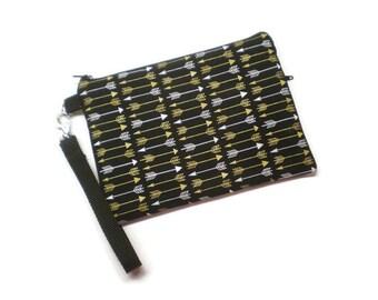 Black and gold arrows zippered wristlet clutch wallet. iPhone 4 5 6 wallet wristlet. Cell phone wristlet purse. Women gift idea.