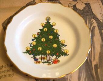 Vintage Christmas Tree Plate