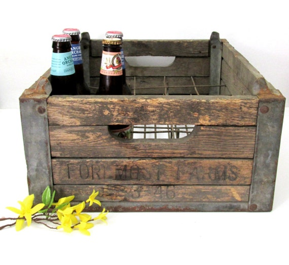 1946 foremost dairy wooden milk crate by creeklifetreasures. Black Bedroom Furniture Sets. Home Design Ideas