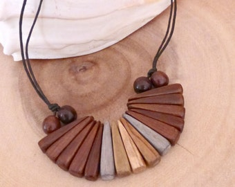 Bib wood necklace gift , Bohemian wooden choker , Fan wood jewelry , 5th anniversary gift for wife