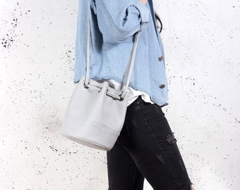 Sale! Saq bag light grey bucket bag crossbody shoulder pouch sac purse drawstring vegan faux leather two pockets with zipper simple everyday